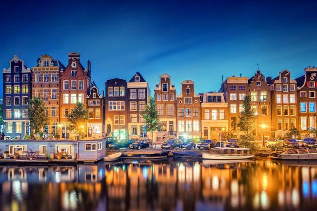 Casas de Ámsterdam sobre los canales